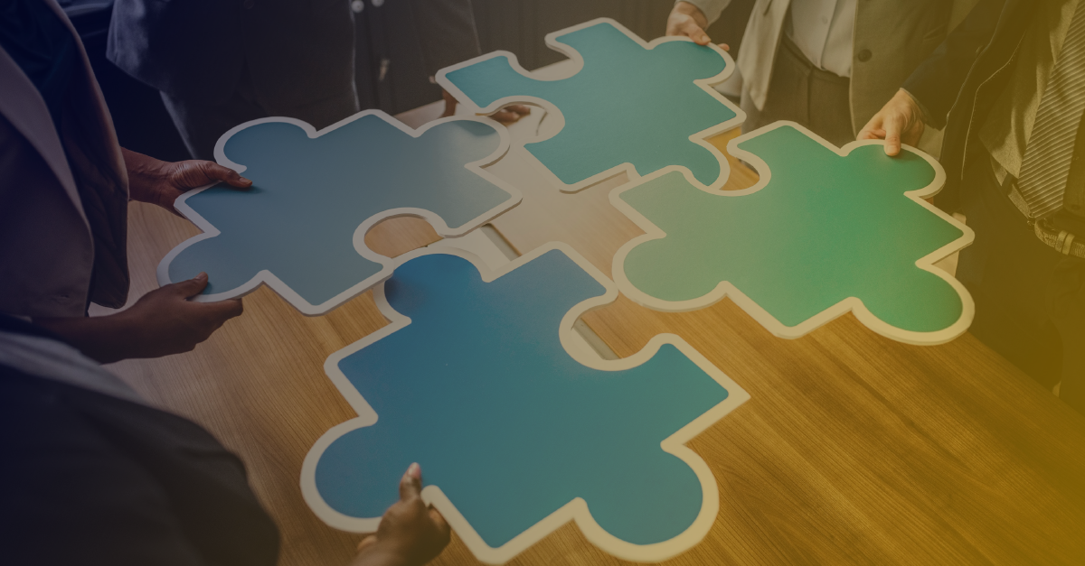 Como as normas podem ajudar na gestão de riscos de um processo de tomada de decisão?